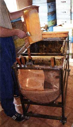 Стол для распечатывания сотов